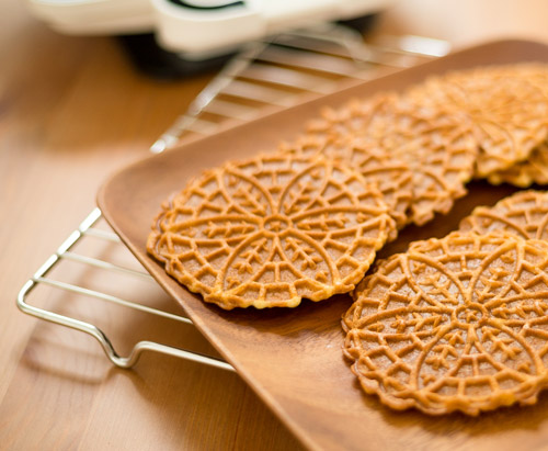 Holiday Italian pizzelle cookies to  Show Appreciation at the Holidays